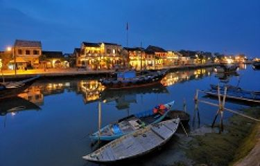 Tips for travelling Hoi An in Tet period